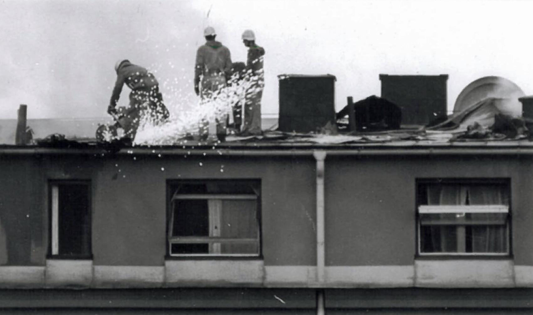 Mobelvaruhus brann ner till grunden